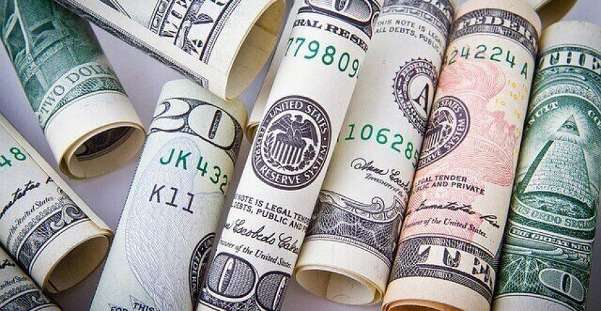 Como o dólar mais caro influencia no seu dia a dia