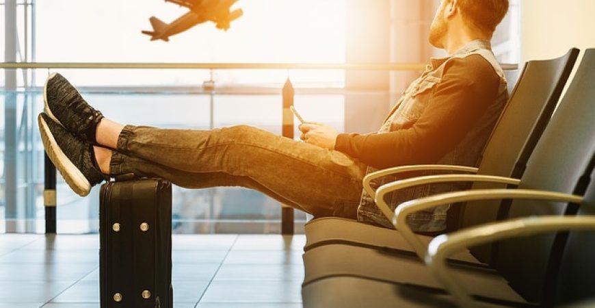 Fechar um pacote ou planejar a viagem sozinho?