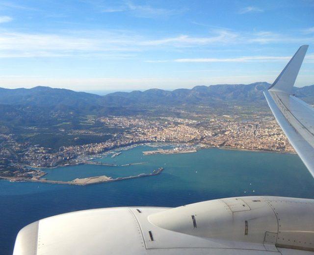 Como economizar com passagens aéreas nas férias