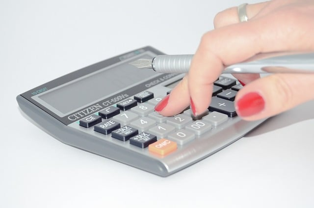 Entenda o que é gasto essencial, necessário e supérfluo