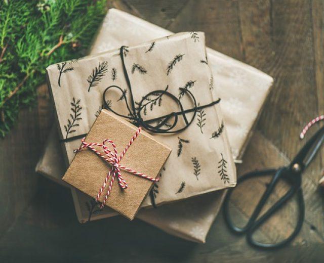 7 dicas para economizar ao comprar presentes