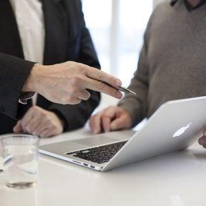 Vale a pena contratar um consultor financeiro?