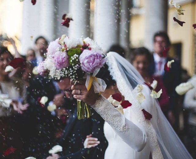 É possível fazer um casamento com pouco dinheiro?