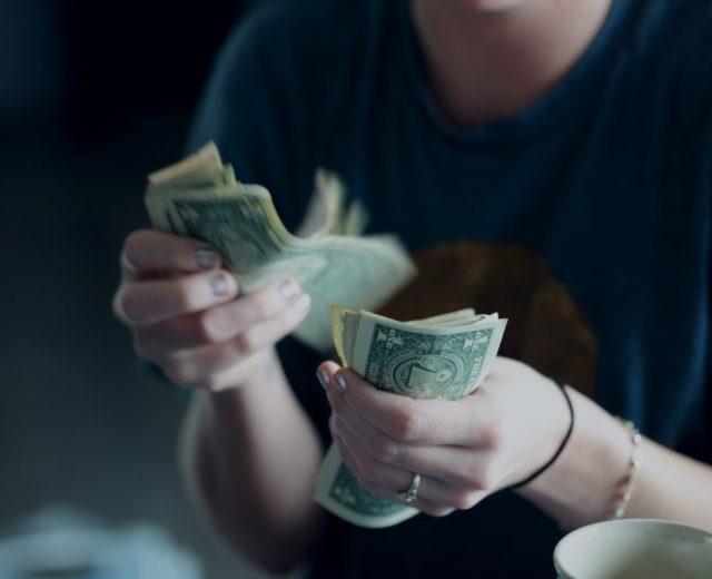 VÍDEO: O dólar alto é bom ou ruim para nossa economia?